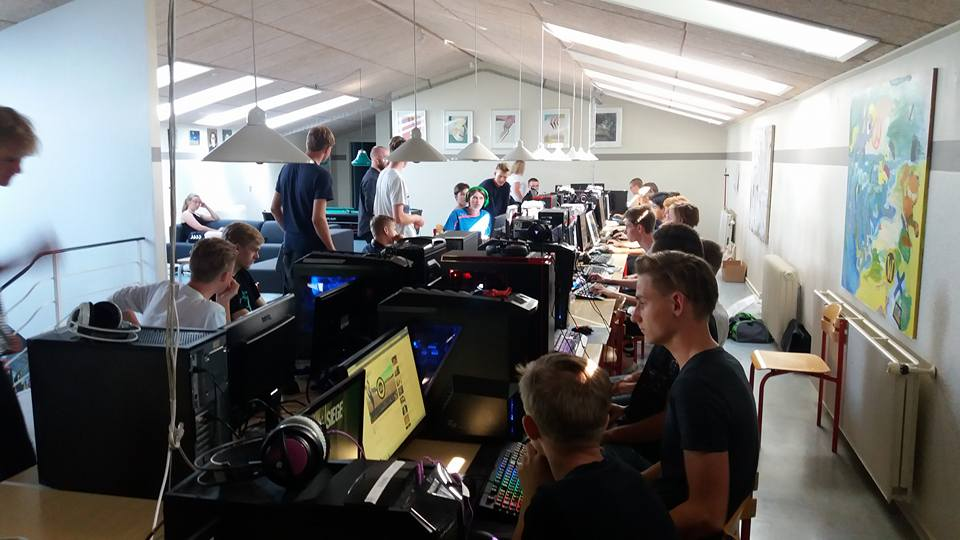 gaming efterskole gamerbord